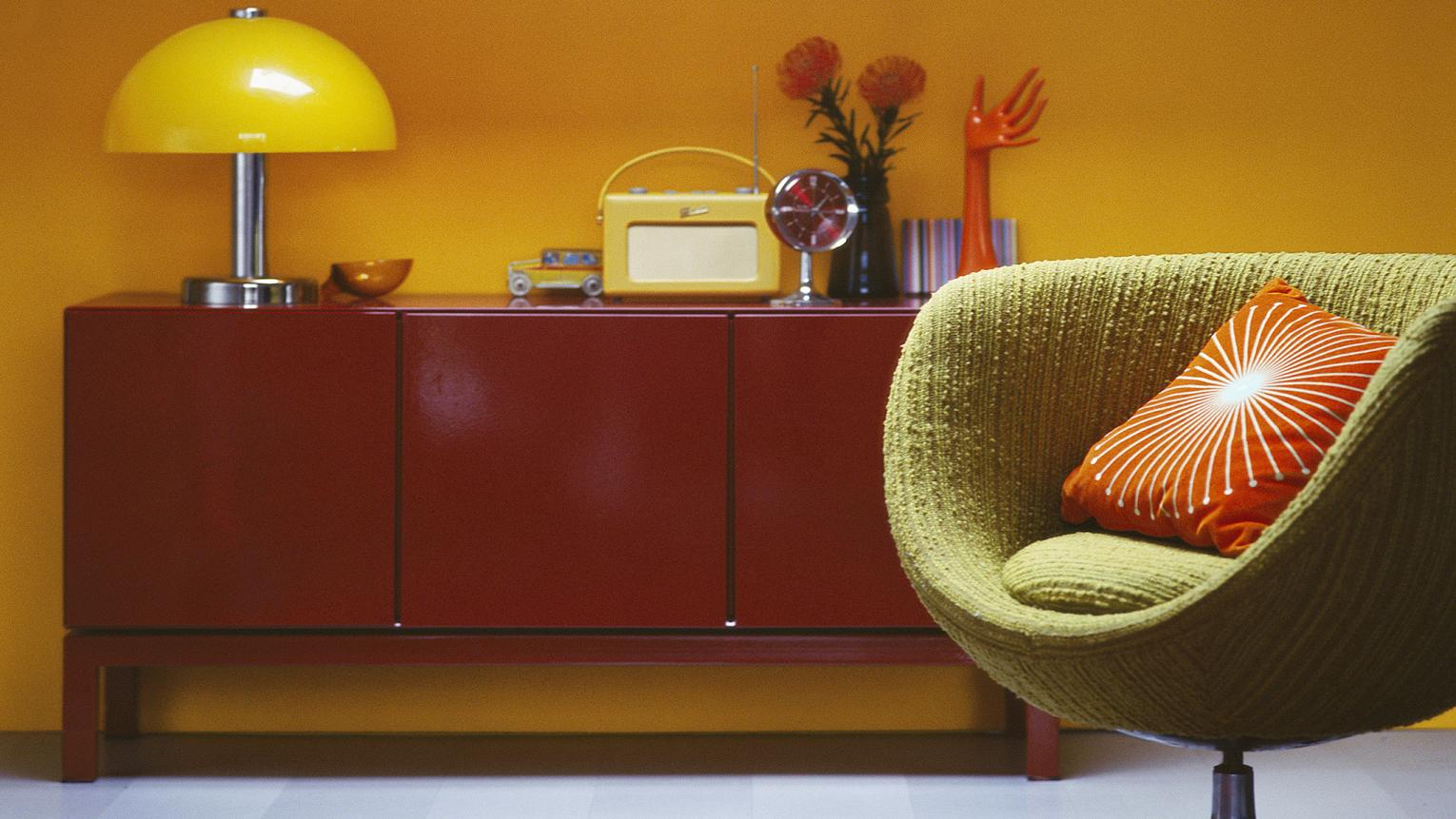Light, soft yellows in gentle shades are ideal when you want to add a touch of sunshine to any room.